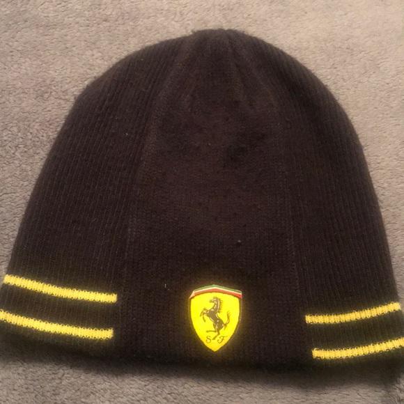 8651a917efc Puma Ferrari knit cap. M 5b763363b6a942fb4a8c1667
